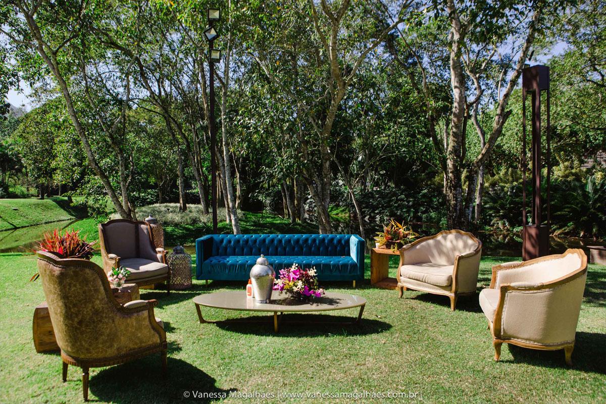 Lounge no jardim do Lajedo com móveis Festah